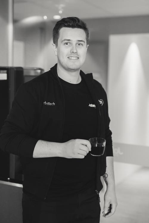 Henrik Gavelin, Servicetekniker